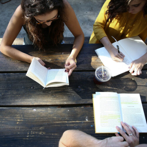 štúdium jazykov - ilustračné foto